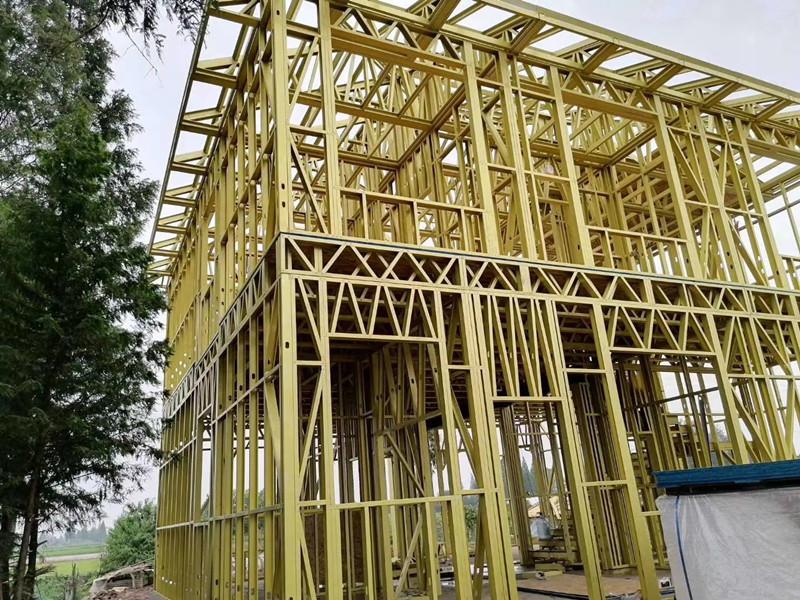 轻钢别墅采用什么材料?